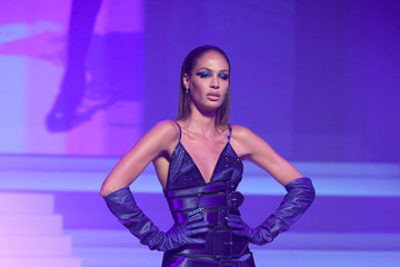 Joan Smalls Jean-Paul Gaultier : Runway - Paris Fashion Week - Haute Couture Spring/Summer 2020