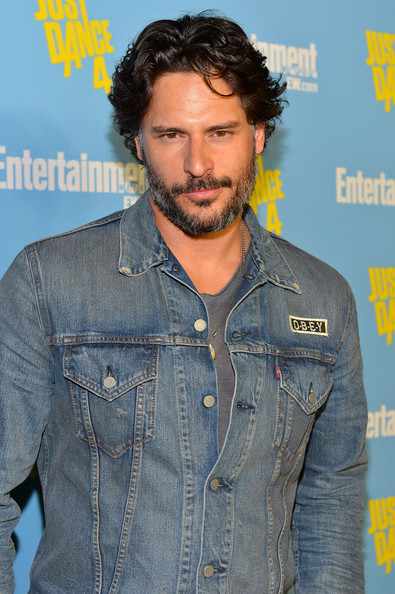 http://www3.pictures.zimbio.com/gi/Joe+Manganiello+Entertainment+Weekly+6th+Annual+YhY6byv-VBsl.jpg