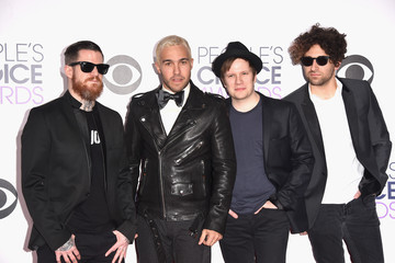 Joe Trohman Andy Hurley Arrivals at the People's Choice Awards