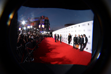 Joe Trohman Andy Hurley Arrivals at the People's Choice Awards — Part 2