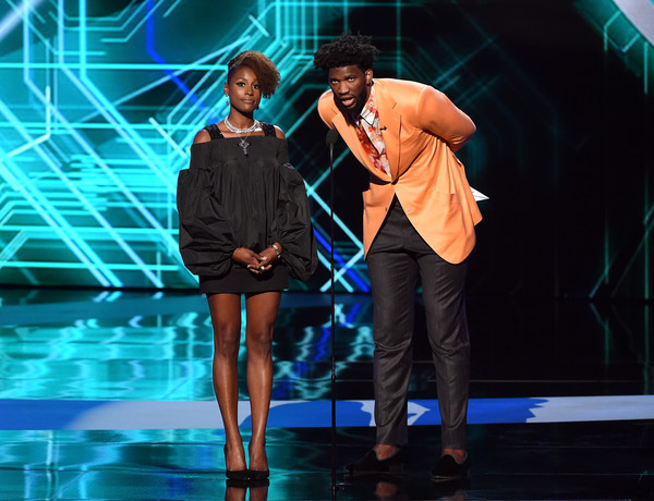 reputable site 7c691 17d26 Joel Embiid and Issa Rae Photos Photos - The 2017 ESPYS ...