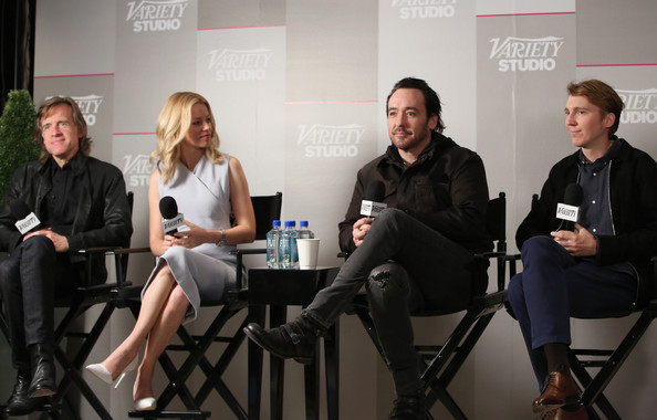John Cusack and Elizabeth Banks Photos Photos - Zimbio