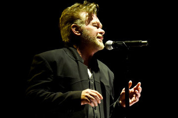 John Mellencamp MusiCares Person Of The Year Tribute To Bob Dylan - Roaming Show