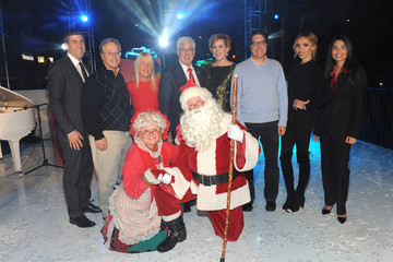 John Mirisch Dr. Willie Brien Beverly Hills Holiday Lighting Ceremony on Rodeo Drive