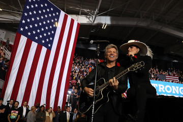 Jon Bon Jovi Hillary Clinton Campaigns Across US One Day Ahead Of Presidential Election