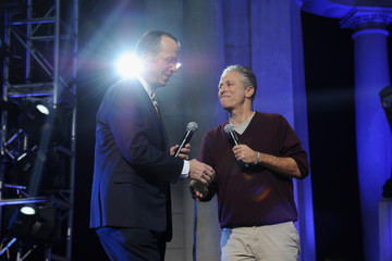 Jon Stewart PepsiCo Honors Bob Woodruff Foundation With Blake Shelton Concert from #PEPCITY