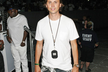 Jonathan Cheban D'USSE VIP Riser + Lounge At On The Run Tour - MetLife Stadium