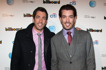 Jonathan and Drew Scott Shirtless http://www.zimbio.com/Jonathan+Scott+Drew+Scott/pictures/pro