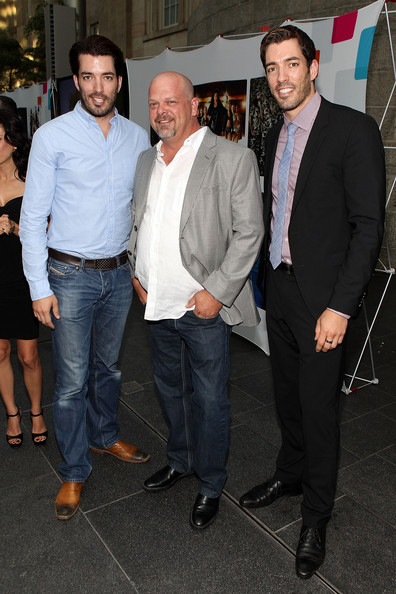 Jonathan Scott Jonathan Scott (L), Rick Harrison (C) and Drew Scott ...