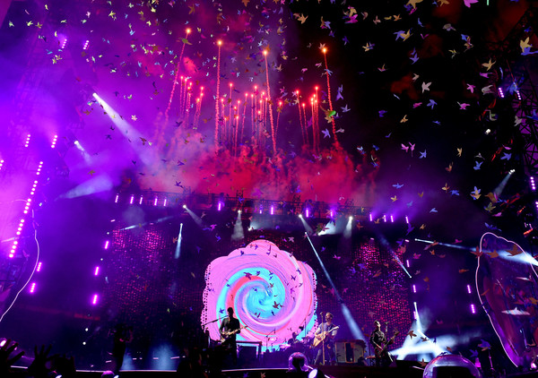 Coldplay Performs at the Rose Bowl
