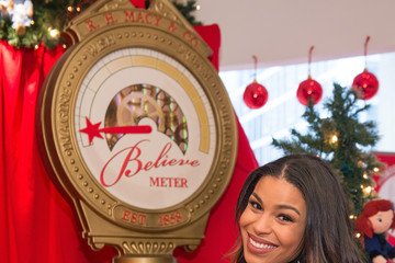 Jordin Sparks Macy's Presents 108th Great Tree Lighting with Jordin Sparks and Unveils Annual Holiday Windows
