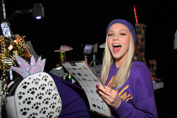 Jordyn Jones Call It Spring Oakes Over HYDE Lounge to Host Young Hollywood's Finest for the Lakers vs. Warriors NBA Game