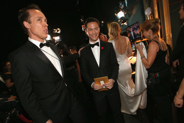 Joseph Gordon-Levitt Backstage at the 86th Annual Academy Awards