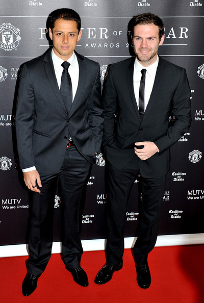 ¿Cuánto mide Chicharito Hernández? - Altura - Real height Juan+Mata+Manchester+United+Player+Year+Awards+D1bBqC4Zpywl