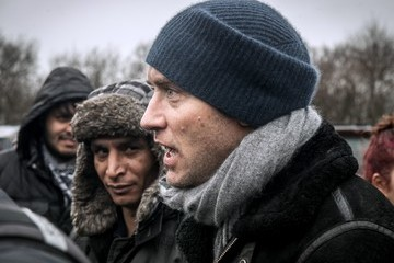 Jude Law Jude Law Visits Migrant Camp in Calais