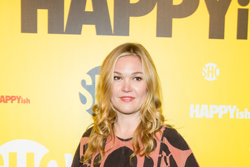 Julia Stiles 'HAPPYish' Series Premiere - Arrivals