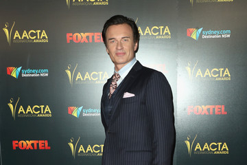 Julian McMahon The 6th AACTA International Awards - Red Carpet