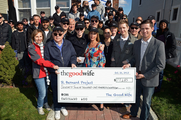 """The Cast Of """"The Good Wife"""" Celebrates Their 100th Episode With A Day Of Service For The St. Bernard Project [episode,the good wife,social group,community,youth,team,event,student,job,cheque,college,university,cast,actors,jerry adler,chris noth,service,coverage,check,the st. bernard project]"""