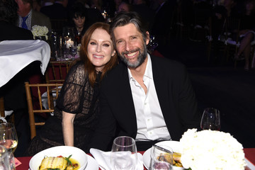 Julianne Moore 2019 A Funny Thing Happened On The Way To Cure Parkinson's - Inside