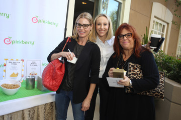 Julie Bowen HBO LUXURY LOUNGE Presented by ANCESTRY - Day 1