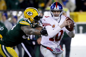 Julius Peppers Wild Card Round - New York Giants v Green Bay Packers