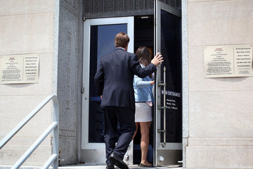 Cate Edwards Jury Deliberations Continue In John Edwards Trial