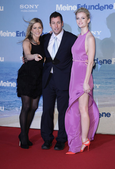 (L-R) Actress Jennifer Aniston, actor Adam Sandler and actress Brooklyn Decker attend the 'Meine Erfundene Frau' (Just go with it) Germany Premiere at CineStar on February 21, 2011 in Berlin, Germany.