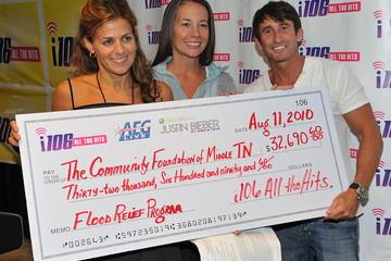 Ellen Lehman Justin Bieber, AEG Live & 106 WNFN Present A Check For Flood Relief