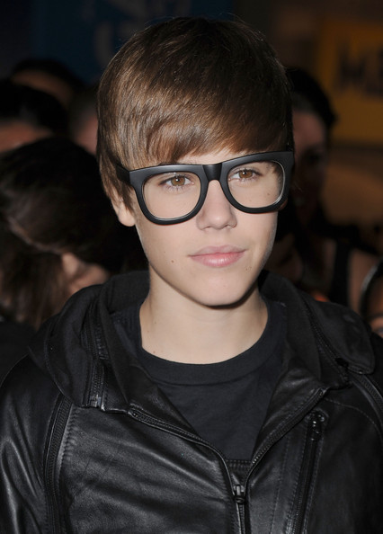 "Justin Bieber Singer Justin Bieber arrives at the ""Megamind"" Los Angeles Premiere at Mann Chinese 6 on October 30, 2010 in Los Angeles, California."