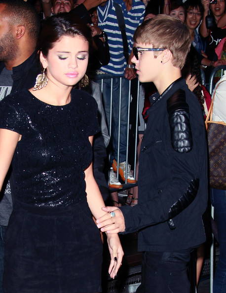 "Justin Bieber Singer/actress Selena Gomez (L) and recording artist Justin Bieber attend the premiere of Lionsgate Films' ""Abduction"" at Grauman's Chinese Theatre on September 15, 2011 in Hollywood, California."