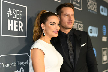 Justin Hartley Chrishell Stause The 24th Annual Critics' Choice Awards - Red Carpet