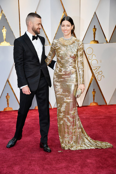 89th Annual Academy Awards - Arrivals [gown,carpet,flooring,red carpet,formal wear,dress,fashion,haute couture,fashion design,suit,arrivals,justin timberlake,jessica biel,actor,academy awards,hollywood highland center,california,l,89th annual academy awards]
