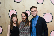 Justin Timberlake and Anna Kendrick pose with heat radio presenter Emily Segal (C) during a visit to Bauer Radio on September 30, 2016 in London, England.