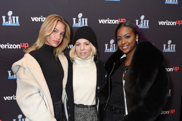 Justine Skye Meredith Mickelson Skylar Gray Performs on the Verizon Up Stage at Super Bowl LIVE