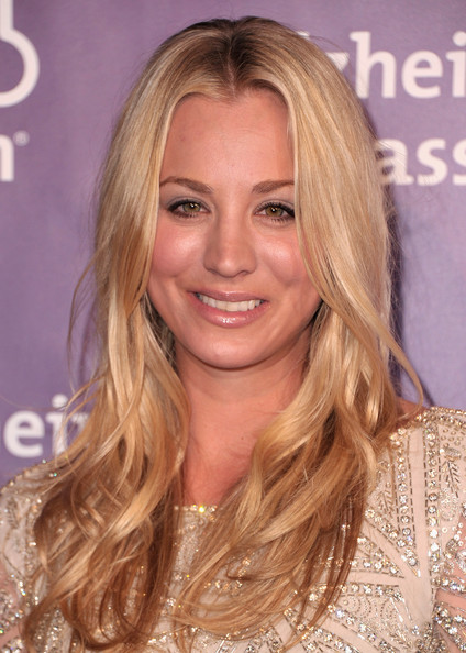 http://www3.pictures.zimbio.com/gi/Kaley+Cuoco+19th+Annual+Night+Sardi+Fundraiser+XZDDlm9X2Ixl.jpg