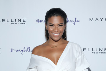 Kamie Crawford Maybelline New York Celebrates First Ever Co-branded Product Collection With Beauty Influencer Shayla Mitchell