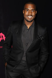 Kanye sported all black at the 'Runaway' premiere in Sydney. His tailored blazer was the perfect finish to his look.