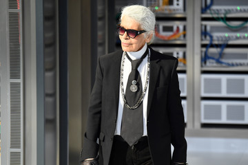 Karl Lagerfeld Chanel : Runway - Paris Fashion Week Womenswear Spring/Summer 2017