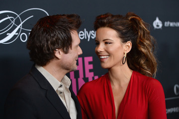 Kate Beckinsale Len Wiseman Elyse Walker Presents The Pink Party 2013 Hosted By Anne Hathaway - Arrivals
