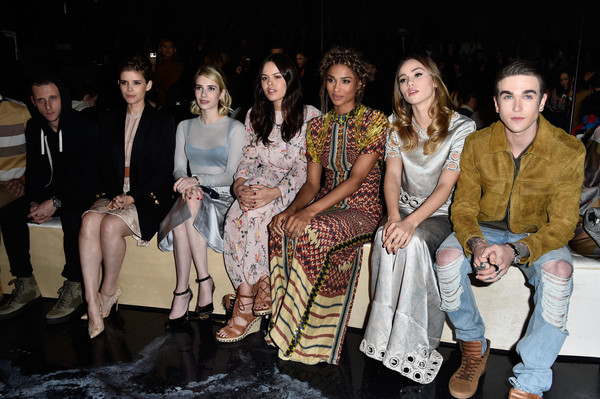 1a3ac22c800f Kate Mara and Emma Roberts Photos»Photostream · Pictures · H&M : Front Row  - Paris Fashion Week Womenswear Fall/Winter 2016/2017
