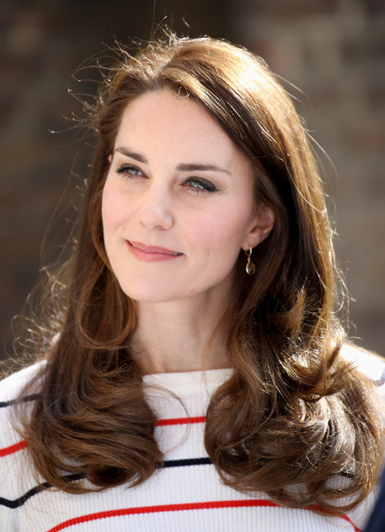The Duchess of Cambridge Hosts Team Heads Together Runners [hair,beauty,eyebrow,hairstyle,girl,long hair,blond,brown hair,smile,hair coloring,catherine,runners,harry,duchess,stigma,cambridge,duchess of cambridge hosts team heads together runners,mental health charities,team heads,reception]