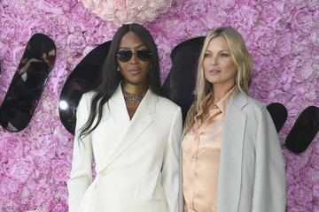 Kate Moss Naomi Campbell Dior Homme : Outside Arrivals - Paris Fashion Week - Menswear Spring/Summer 2019