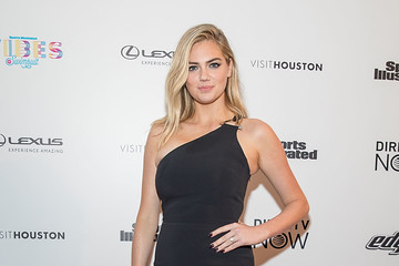 Kate Upton VIBES by Sports Illustrated Swimsuit 2017 Launch Festival - Day 2