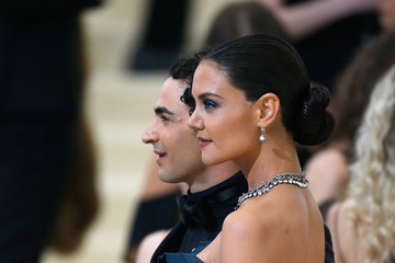 Katie Holmes Zac Posen 'Rei Kawakubo/Comme des Garcons: Art of the In-Between' Costume Institute Gala - Outside Arrivals