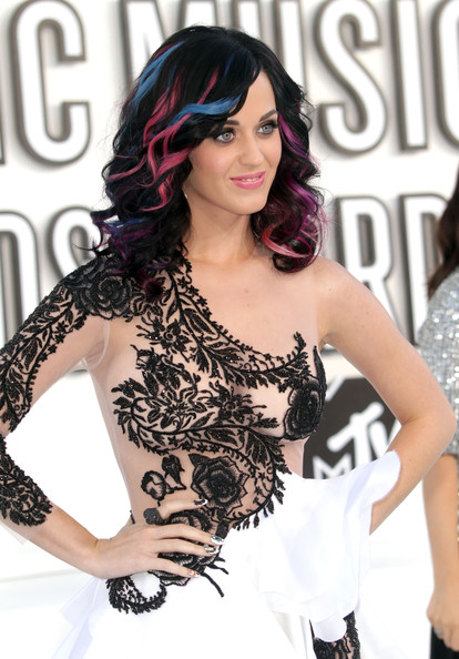 Katy Perry Singer Katy Perry arrives at the 2010 MTV Video Music Awards at NOKIA Theatre L.A. LIVE on September 12, 2010 in Los Angeles, California.
