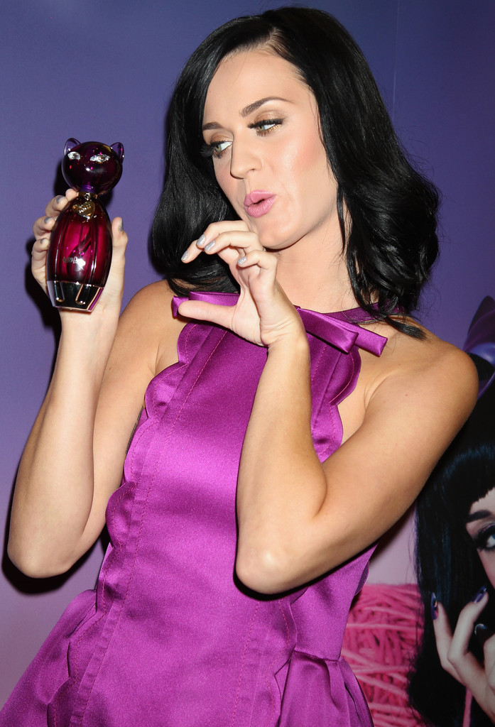 katy perry in katy perry fragrance launch zimbio. Black Bedroom Furniture Sets. Home Design Ideas