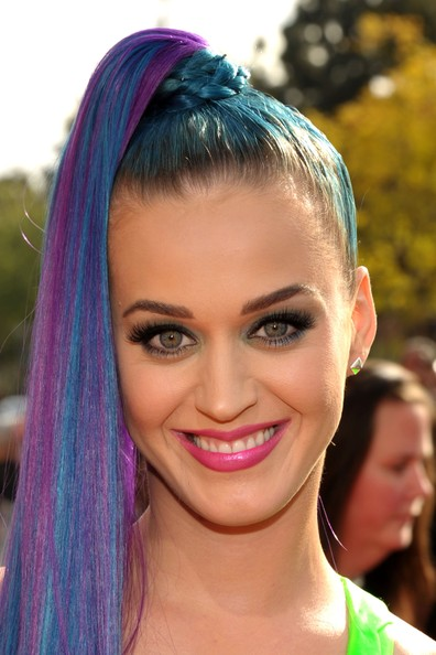 Katy Perry - Nickelodeon's 25th Annual Kids' Choice Awards - Red Carpet