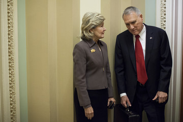 Kay Bailey Hutchison Congress Goes Down To The Wire On Fiscal Cliff Negotiations