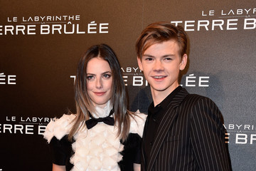 Kaya Scodelario Thomas Brodie-Sangster Pictures, Photos ...