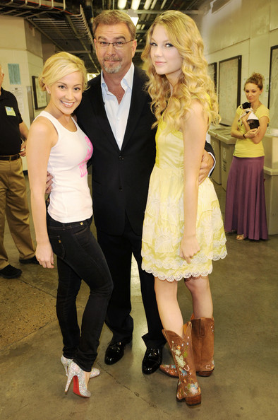 kellie pickler and taylor swift. In This Photo: Kellie Pickler,